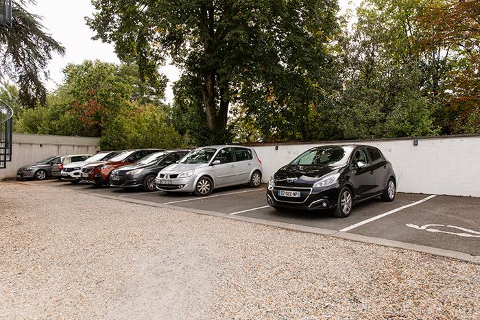 centre-d-affaire-premium-calmette-vue-parking
